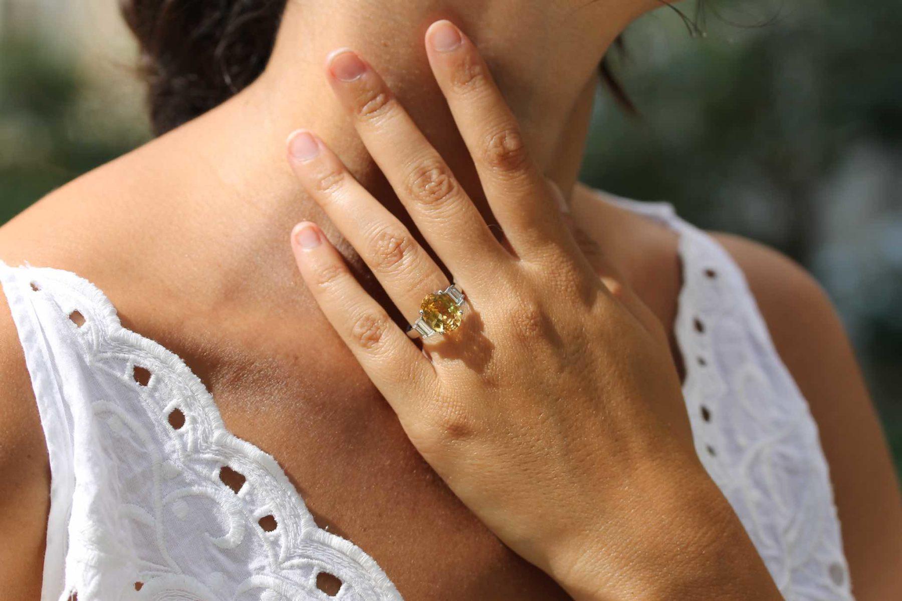 Bague topaze orange et diamants en or blanc 18k
