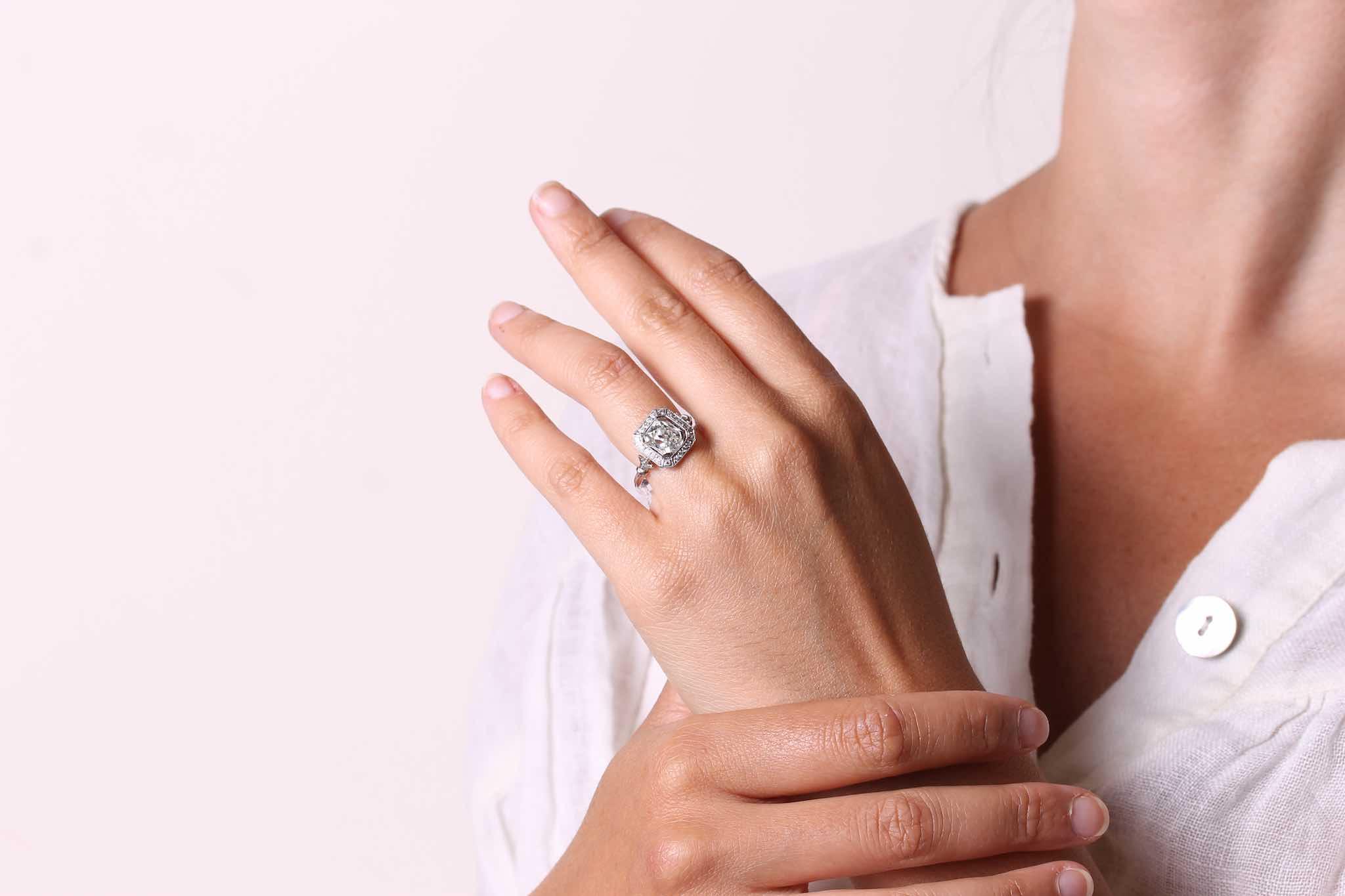 Bague carrée diamant