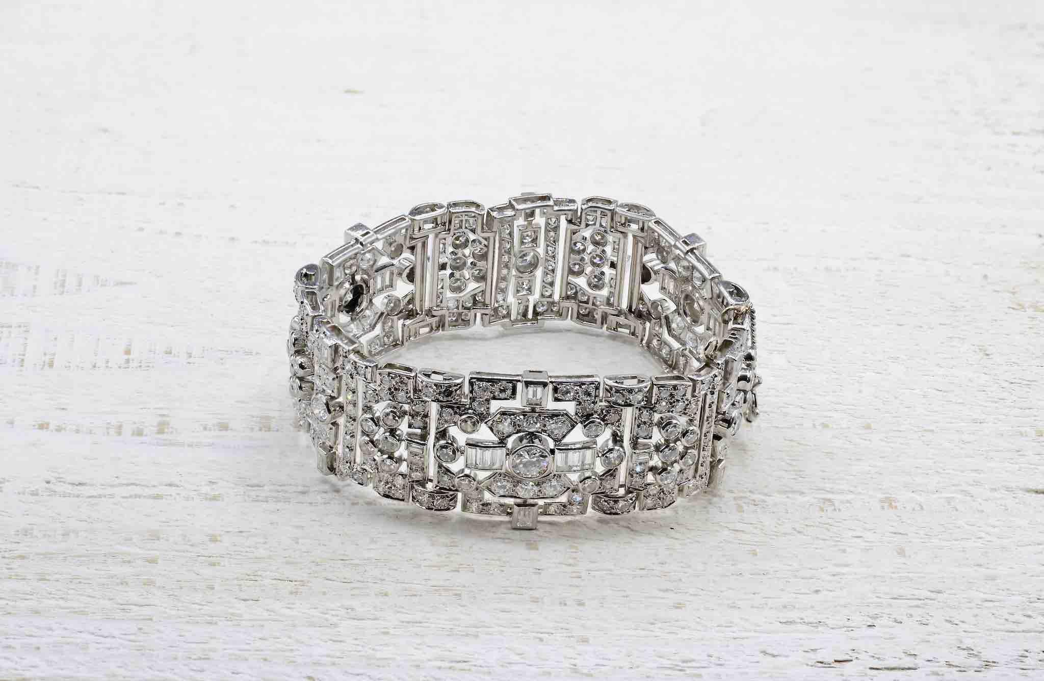 Bracelet Art Déco pavage de diamants