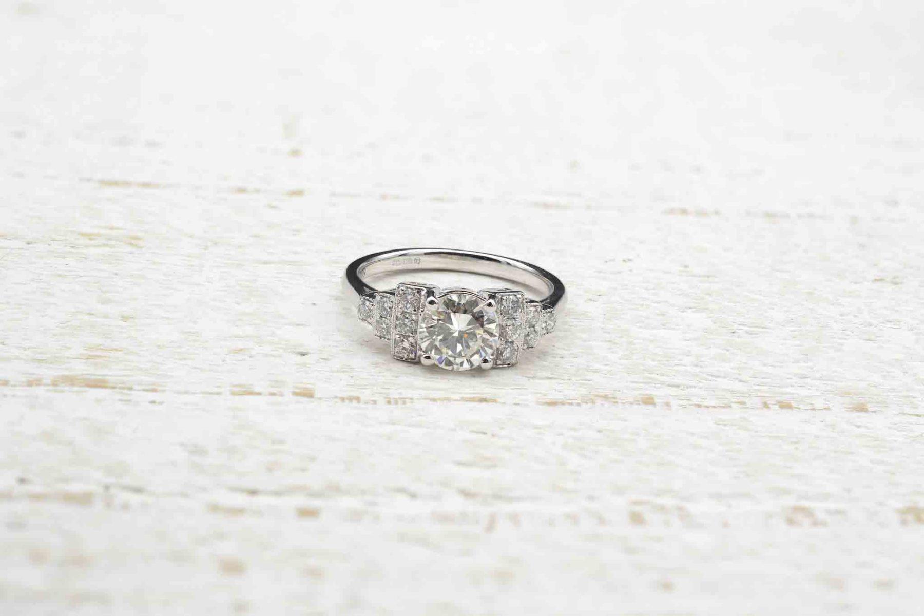 vintage ring with brilliant diamonds