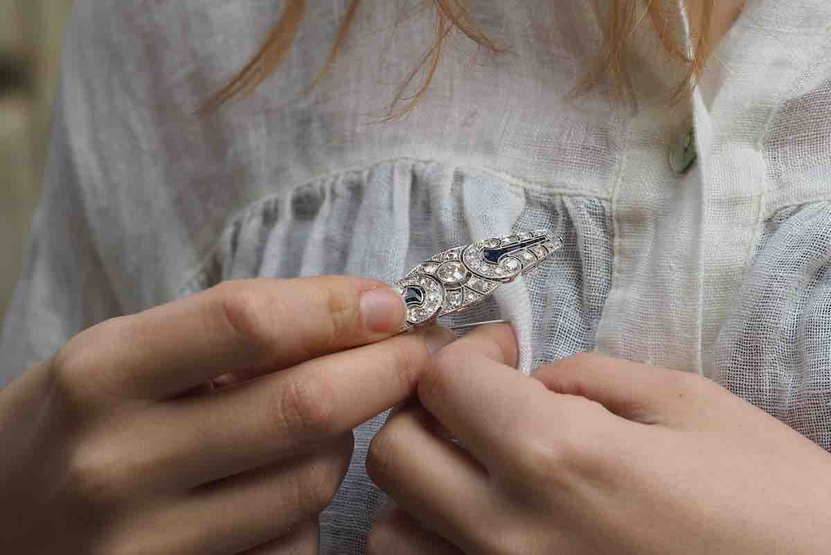 broche art déco diamants et saphirs