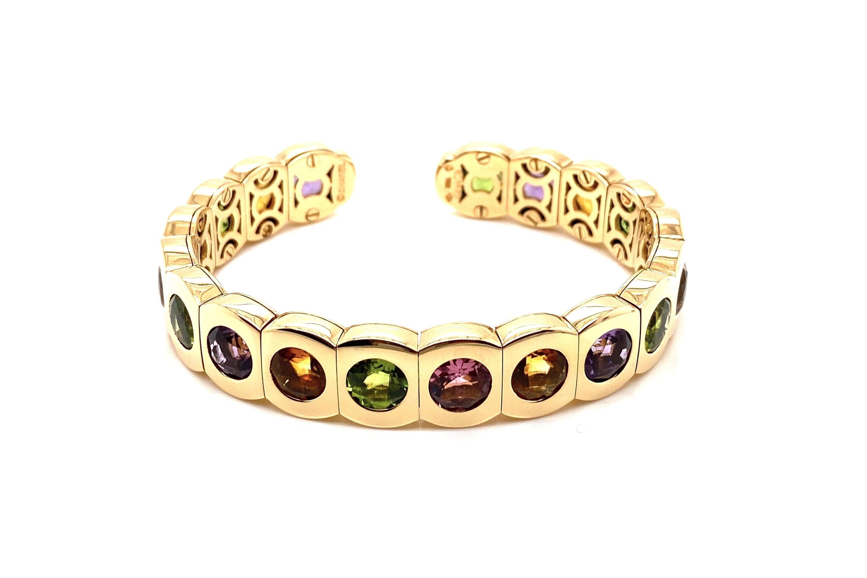bracelet signé chanel
