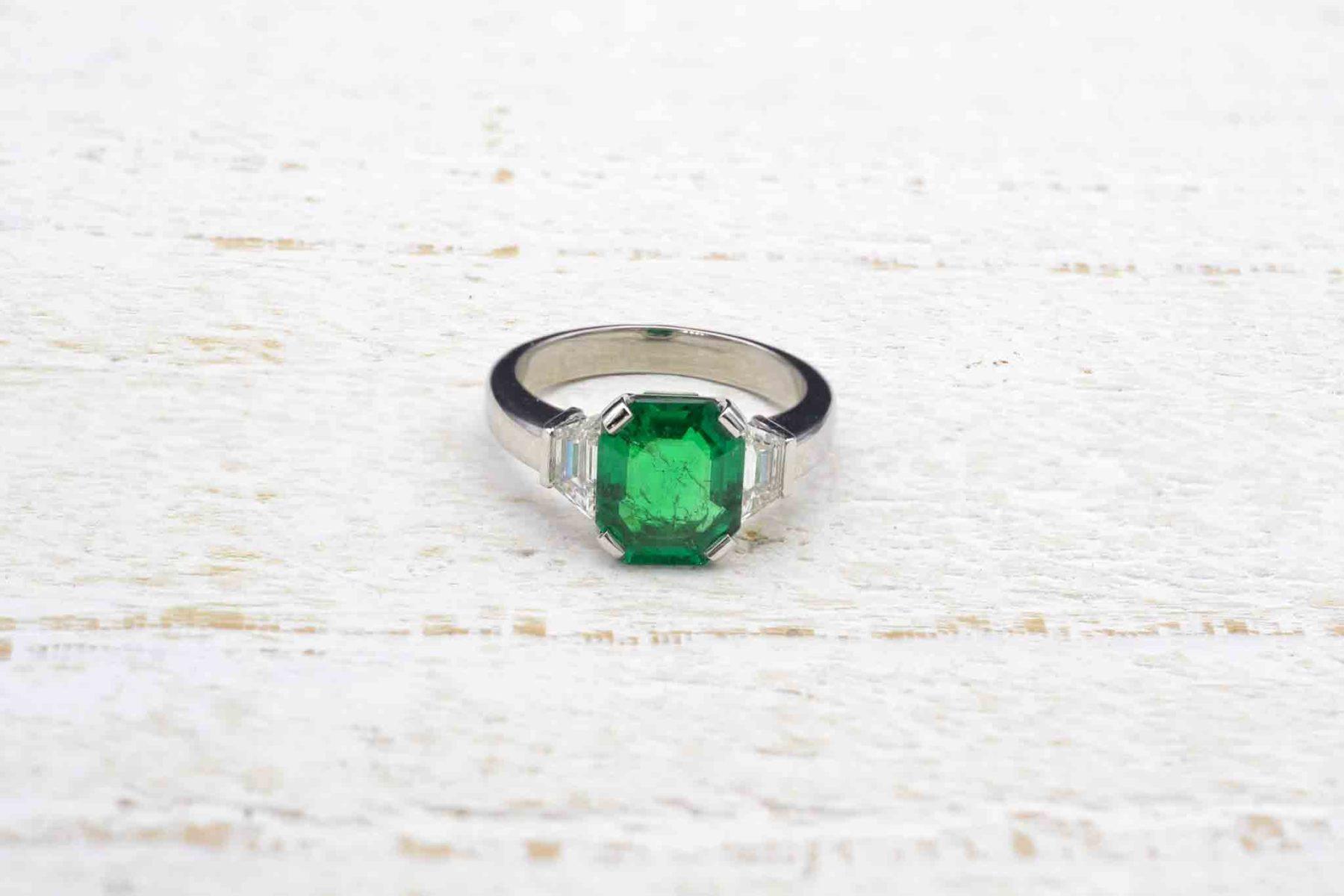 emerald diamonds ring