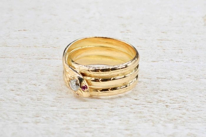 Bague serpent en or jaune 18k