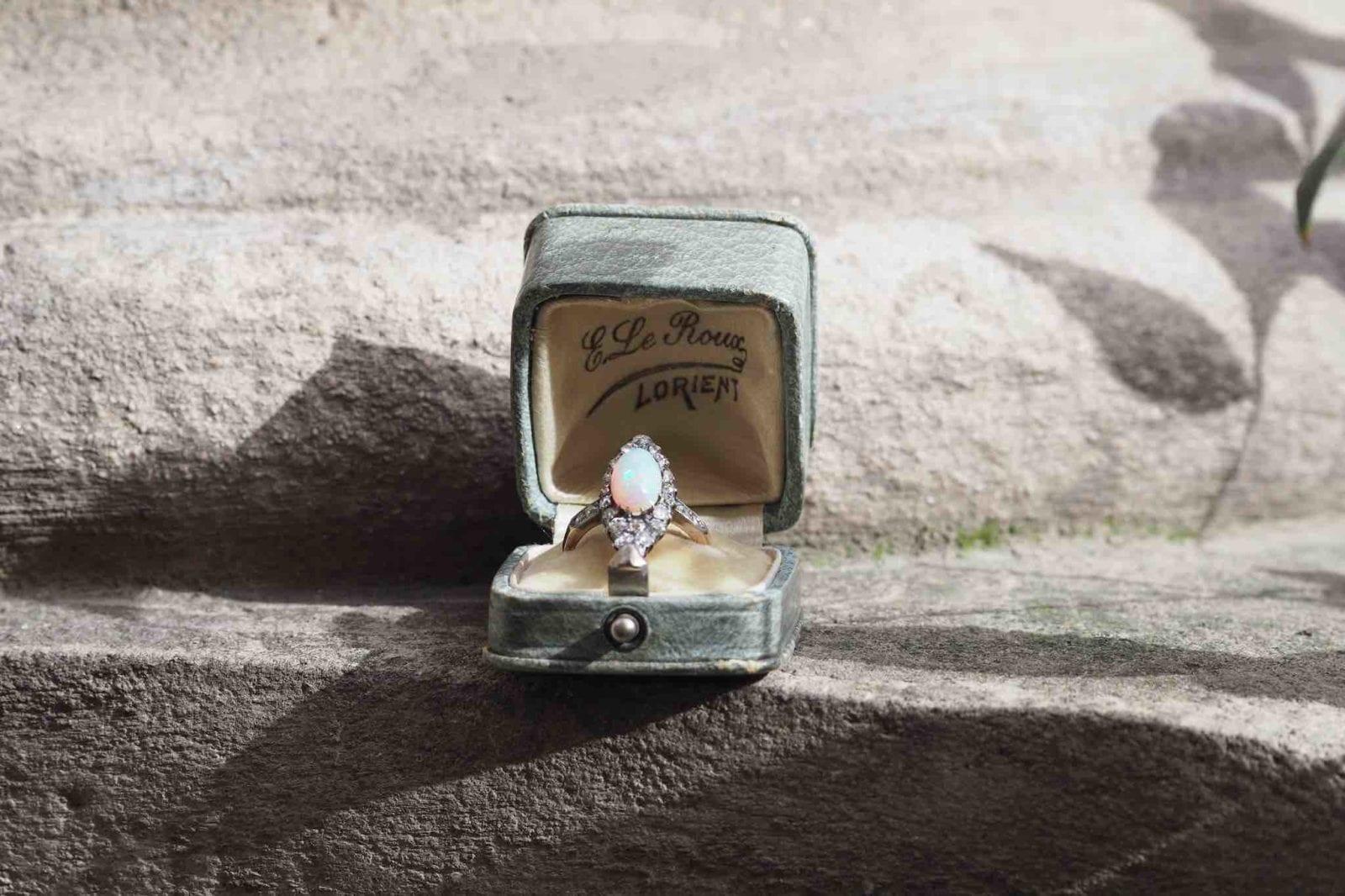 bague opale diamants époque 19e