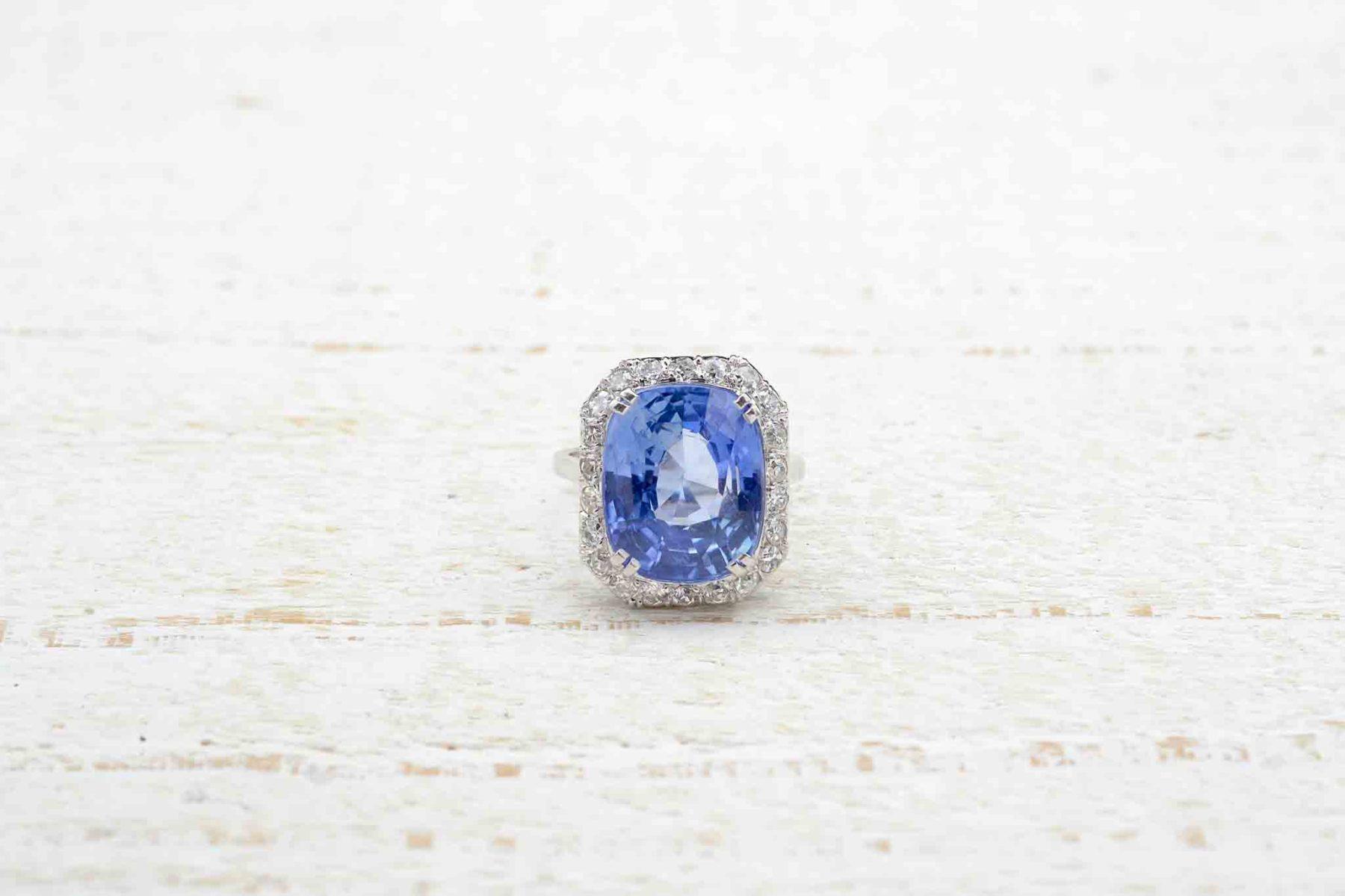 diamond ring sapphire