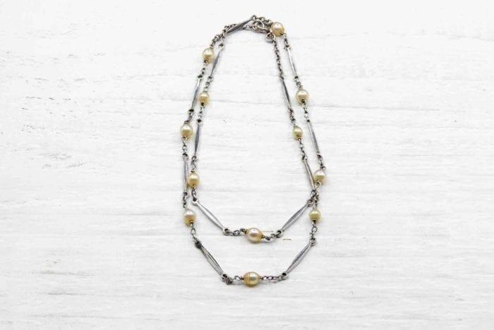 Chaîne ancienne en platine et perles fines
