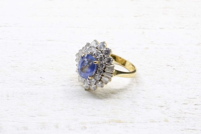 Bague saphir et diamants en or jaune 18k