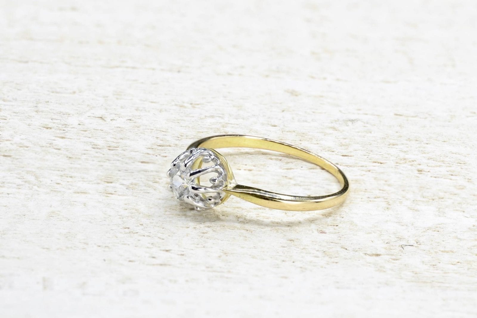Bague vintage or diamant