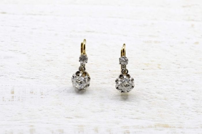 Boucles d'oreilles dormeuses diamants en or jaune 18k