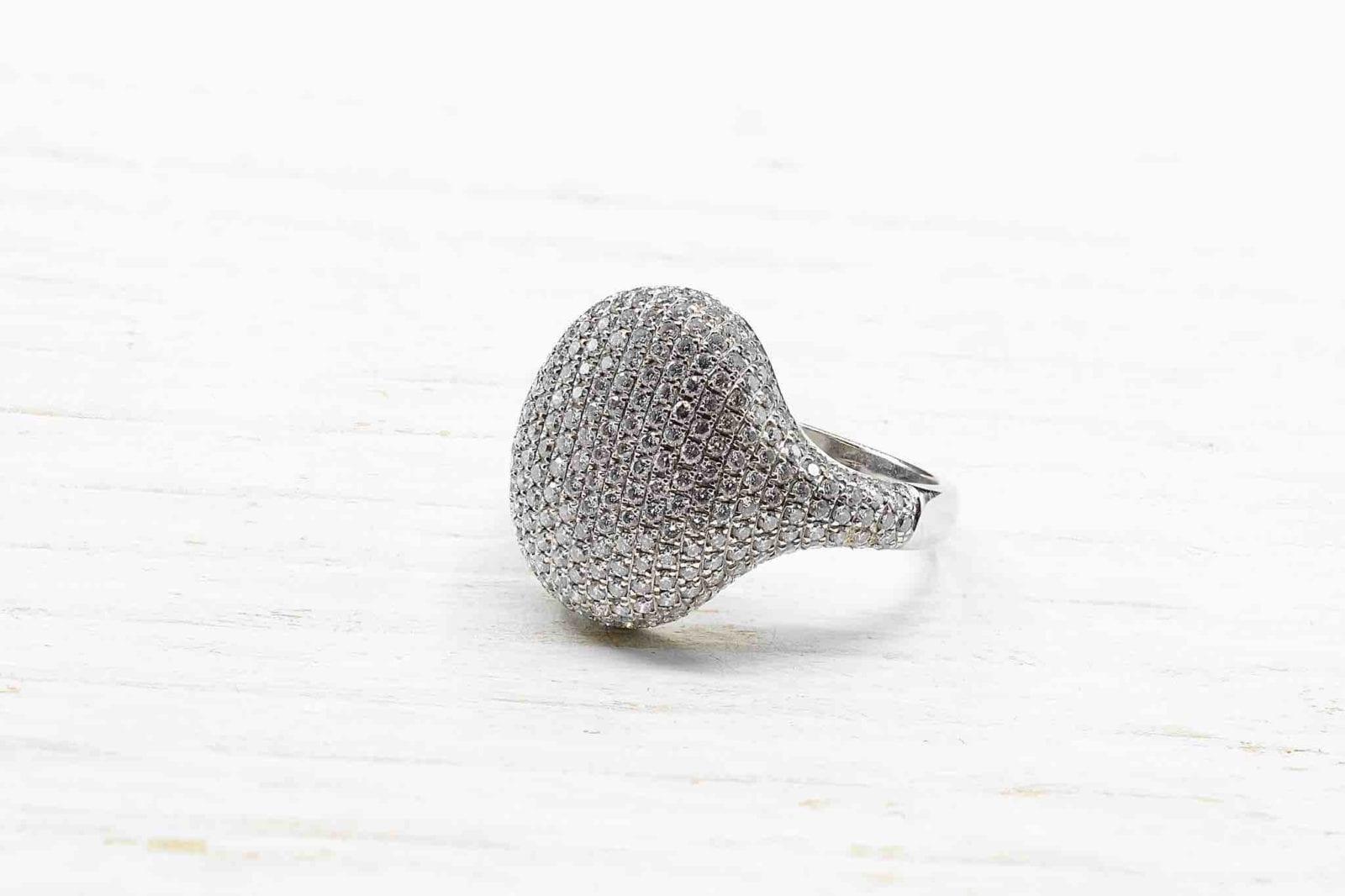 bague chevalière pavage diamants