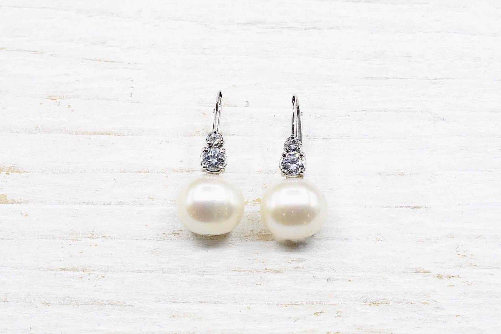 Boucles d'oreilles perles fine or blanc 18k
